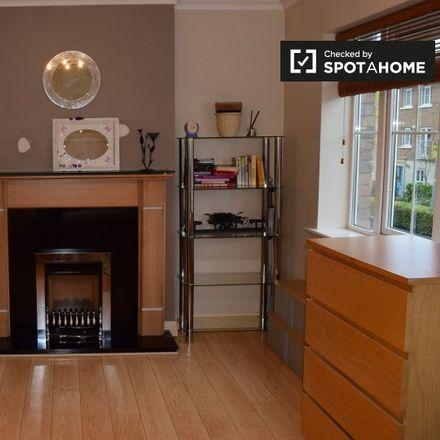 Rent this 5 bed apartment on Mount Garrett Avenue in Tyrrelstown, Dublin 15