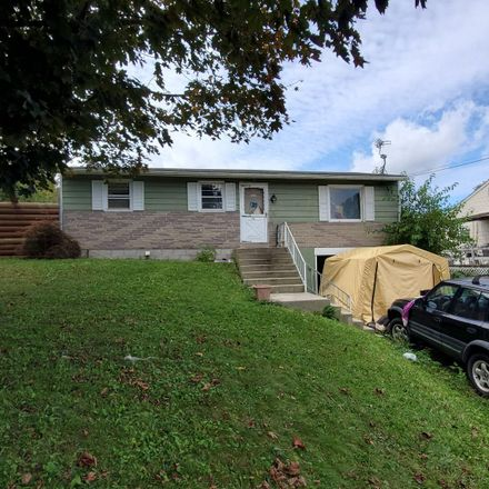 Rent this 3 bed house on 217 East Fulton Street in Ephrata, PA 17522