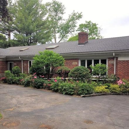 Rent this 3 bed house on 126 Fort Hill Road in Town of Greenburgh, NY 10583