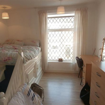 Rent this 3 bed house on Avenue Road Extension in Leicester LE2 6EG, United Kingdom
