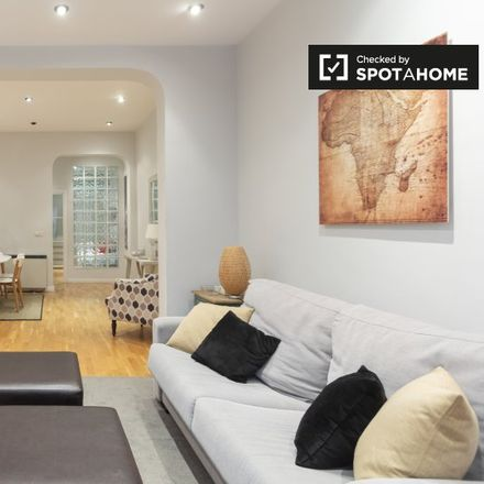Rent this 2 bed apartment on Cine Bogart/Teatro Cedaceros in Calle de Los Madrazo, 4