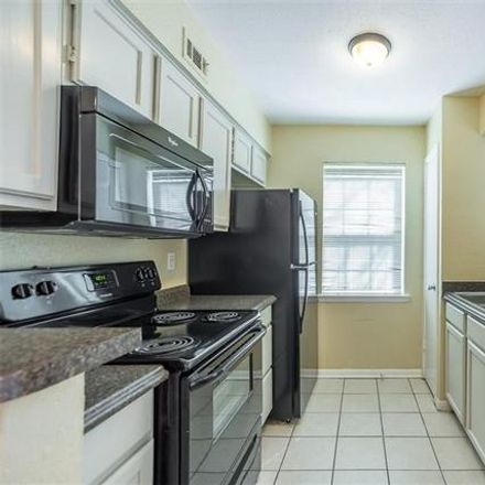 Rent this 1 bed apartment on 1625 Grigsby Avenue in Dallas, TX 75204