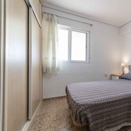 Rent this 4 bed apartment on Edificio Arco in Carrer dels Sants Just i Pastor, 46022 Valencia