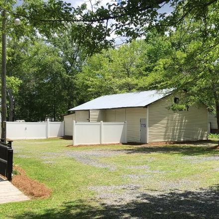 Rent this 4 bed house on Powell Dr in Summerville, SC