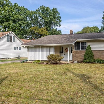Rent this 3 bed house on Best St in Berea, OH