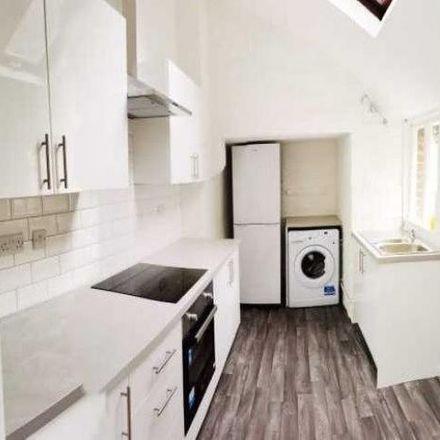 Rent this 5 bed house on Feversham Lodge in Feversham Crescent, York YO31 8HQ