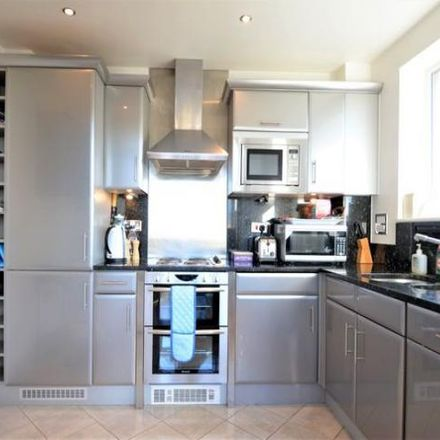 Rent this 3 bed apartment on Augustus Close in London TW8 8EZ, United Kingdom