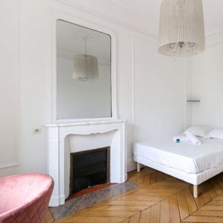 Rent this 3 bed apartment on Résidence Saint-Jacques in Rue Saint-Jacques, 75005 Paris