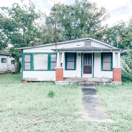Rent this 3 bed house on 98 South Park Street in DeFuniak Springs, FL 32435