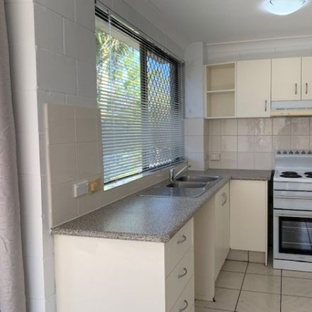 Rent this 2 bed apartment on 3/151 High Street