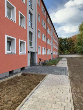 Rent this 3 bed apartment on Am Weidenbusch 3 in 51381 Leverkusen, Germany