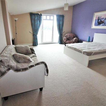 Rent this 2 bed apartment on Osbourne House in Queen Victoria Road, Coventry CV1 3JS