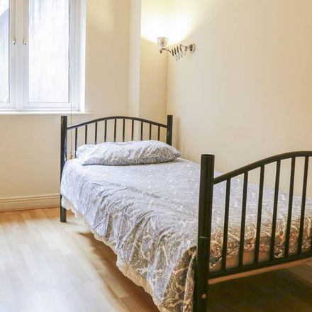 Rent this 3 bed room on Usher St in Merchants Quay, Dublin 8