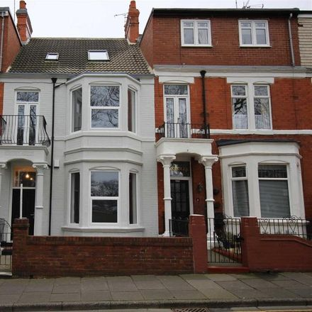 Rent this 6 bed house on Sandsides in 122 Park Avenue, North Tyneside NE26 1AY