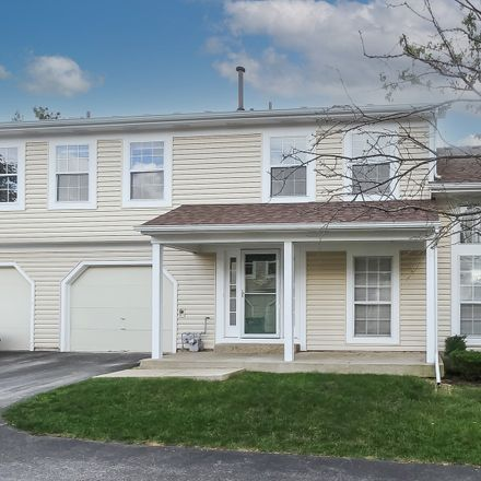 Rent this 3 bed townhouse on 195 Hazelnut Drive in Streamwood, IL 60107