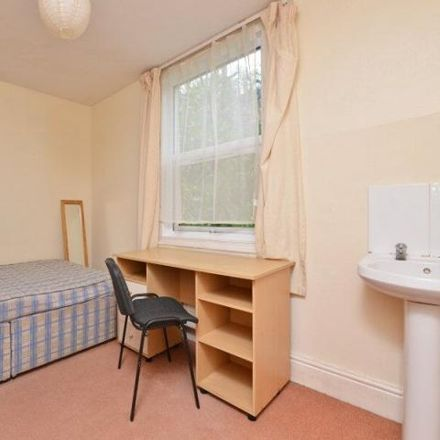 Rent this 4 bed apartment on 13 Telford Road in Exeter EX4 4BQ, United Kingdom