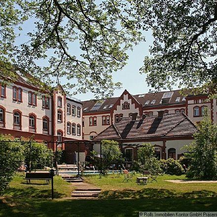 Rent this 2 bed apartment on Haus 3 in Theodorstraße, 22761 Hamburg