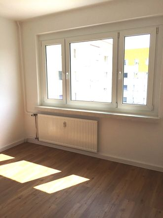 Rent this 2 bed apartment on Bockwitzer Straße 4 in 04552 Borna, Germany