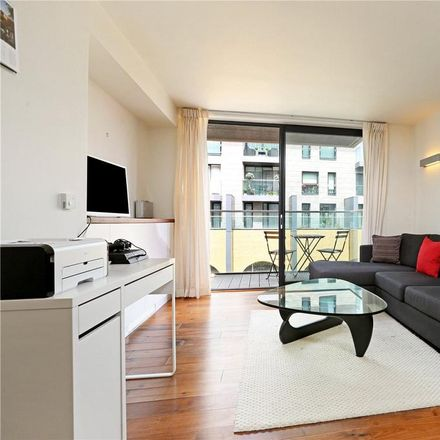 Rent this 1 bed apartment on 246-248 Great Portland Street in London W1W 5JL, United Kingdom