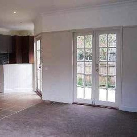 Rent this 2 bed apartment on 2/2 Henry Street