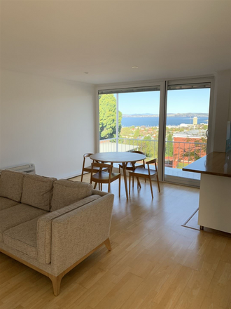Rent this 2 bed apartment on 17/320 Davey Street