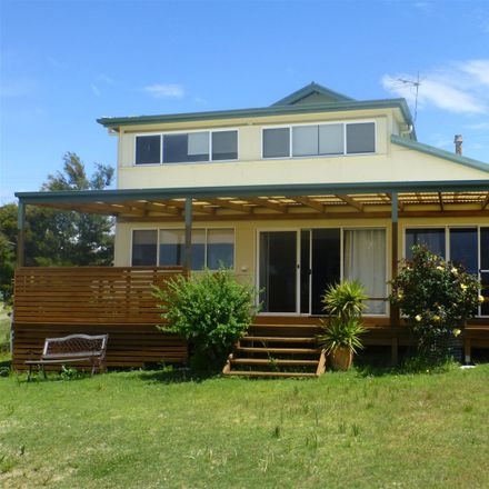Rent this 5 bed house on 10 Gardners Road