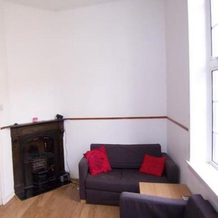 Rent this 4 bed house on 98 Viewforth in Edinburgh EH10 4JF, United Kingdom