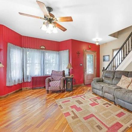 Rent this 3 bed house on 618 Manor Road in New York, NY 10314