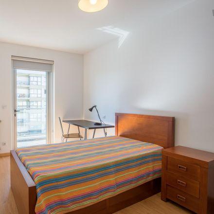 Rent this 2 bed room on Via Verde in Rua de Santa Justa 202 H, 4200-283 Paranhos