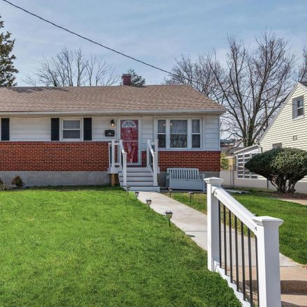 Rent this 3 bed house on 5653 Calyn Road in Catonsville, MD 21228