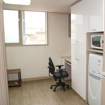 Rent this 1 bed apartment on 105-14 Hoegi-dong in Dongdaemun-gu, Seoul