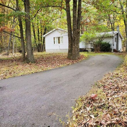 Rent this 3 bed house on Maple Rd in Effort, PA