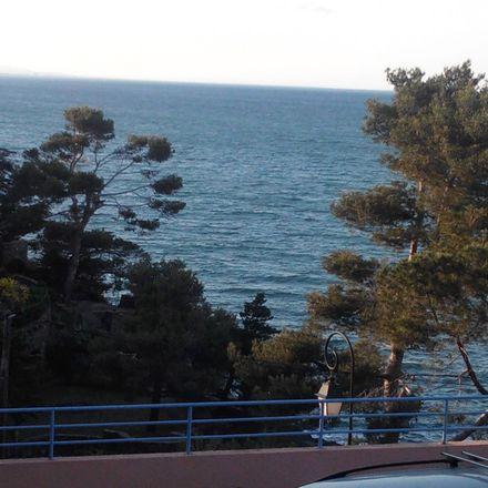 Rent this 1 bed apartment on Als Raguers in Route de Port-Vendres, 66190 Collioure