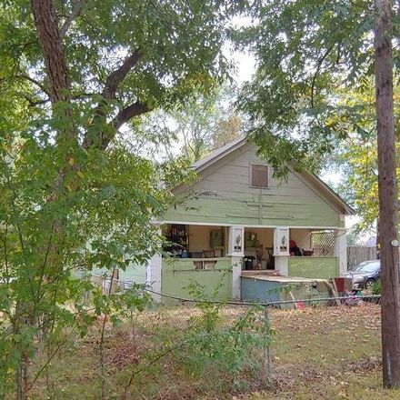 Rent this 2 bed house on 1408 Gay Street in Longview, TX 75602
