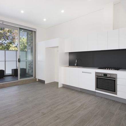 Rent this 1 bed apartment on Unit 3/6 Nelson St
