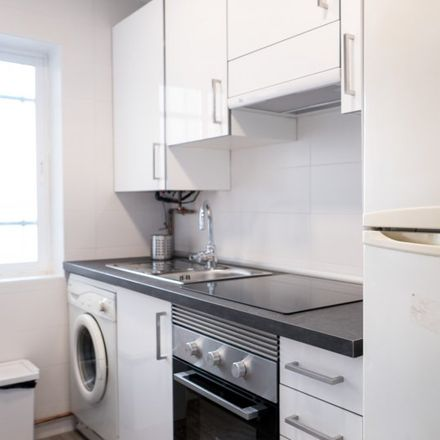 Rent this 3 bed apartment on Calle López de Hoyos in 28001 Madrid, Spain