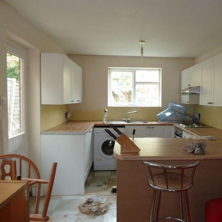 Rent this 5 bed house on 83 Hurst Street in Oxford OX4 1RQ, United Kingdom