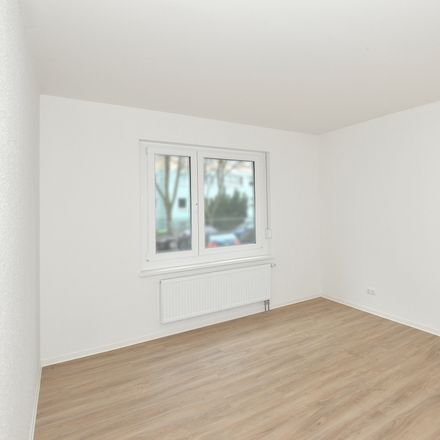 Rent this 2 bed apartment on Kienbergstraße 21 in 12685 Berlin, Germany