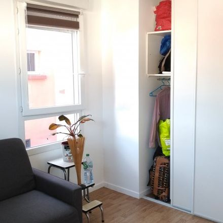 Rent this 3 bed room on 68 in 66 Rue du Bec à Loue, 93200 Saint-Denis