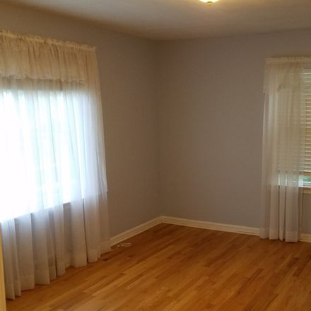 Rent this 4 bed house on 134 Walker Avenue in Clarendon Hills, IL 60514