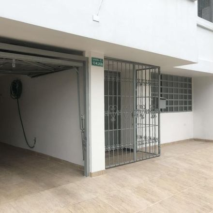 Rent this 5 bed apartment on Oxxo in Avenida Carrera 45, Localidad Suba