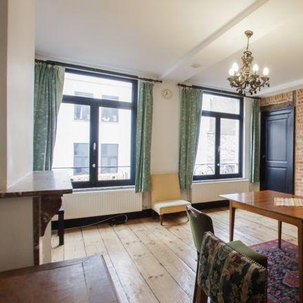 Rent this 1 bed apartment on Rue d'Edimbourg - Edinburgstraat 28 in 1000 Ixelles - Elsene, Belgium