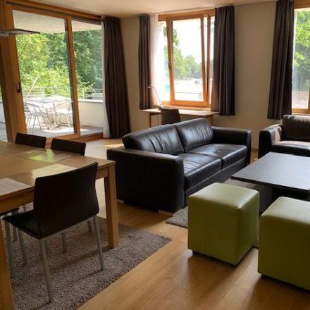 Rent this 4 bed apartment on Chaussée de La Hulpe - Terhulpsesteenweg 114 in 1000 Ville de Bruxelles - Stad Brussel, Belgium