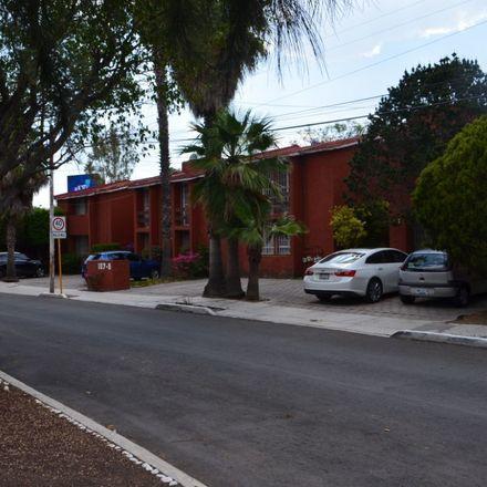 Rent this 2 bed apartment on Paseo Constitución 135 in Delegación Epigmenio González, 76147 Querétaro