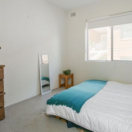 Rent this 2 bed apartment on 1/18 White Street
