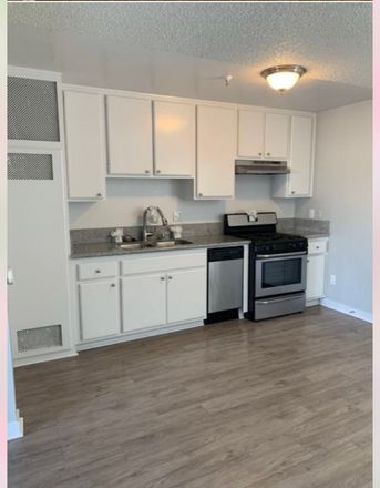 Rent this 1 bed apartment on Fallas in Market Street, Long Beach
