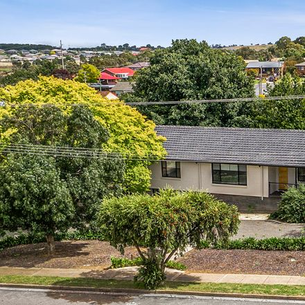 Rent this 6 bed house on 20 Taralga Road