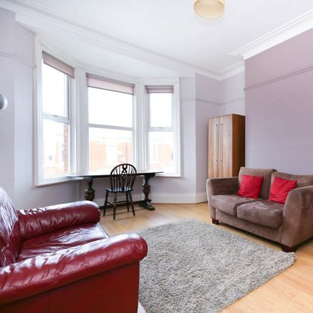 Rent this 4 bed apartment on Simonside Terrace in Newcastle upon Tyne NE6 5DR, United Kingdom