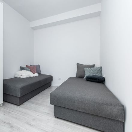 Rent this 5 bed room on Batuty 7 in 02-743 Warsaw, Poland