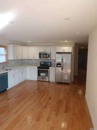 Rent this 3 bed house on Hollis Ave in Queens Village, NY